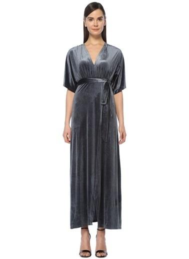 V Yaka Uzun Kadife Elbise-Wyldr